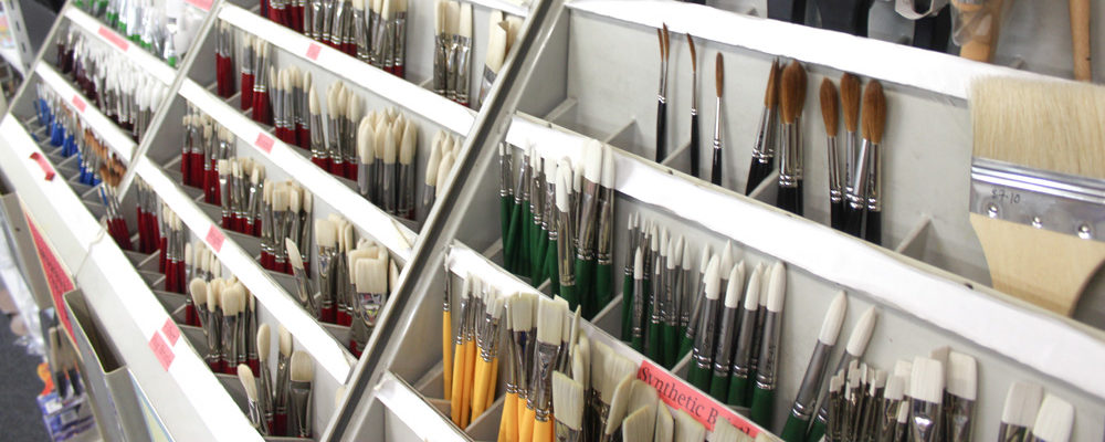 Brushes, Pallette Knives & Painting Accessories